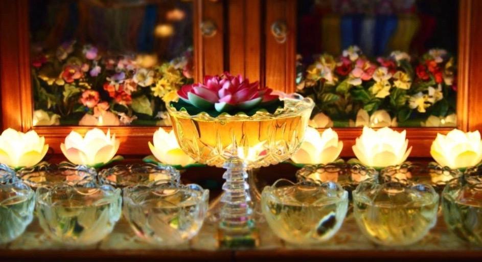 Offerings in Lama Zopa Rinpoche's upstairsapartment at Kopan, Nepal. (Photo Ven Tenzin Tsultrim)