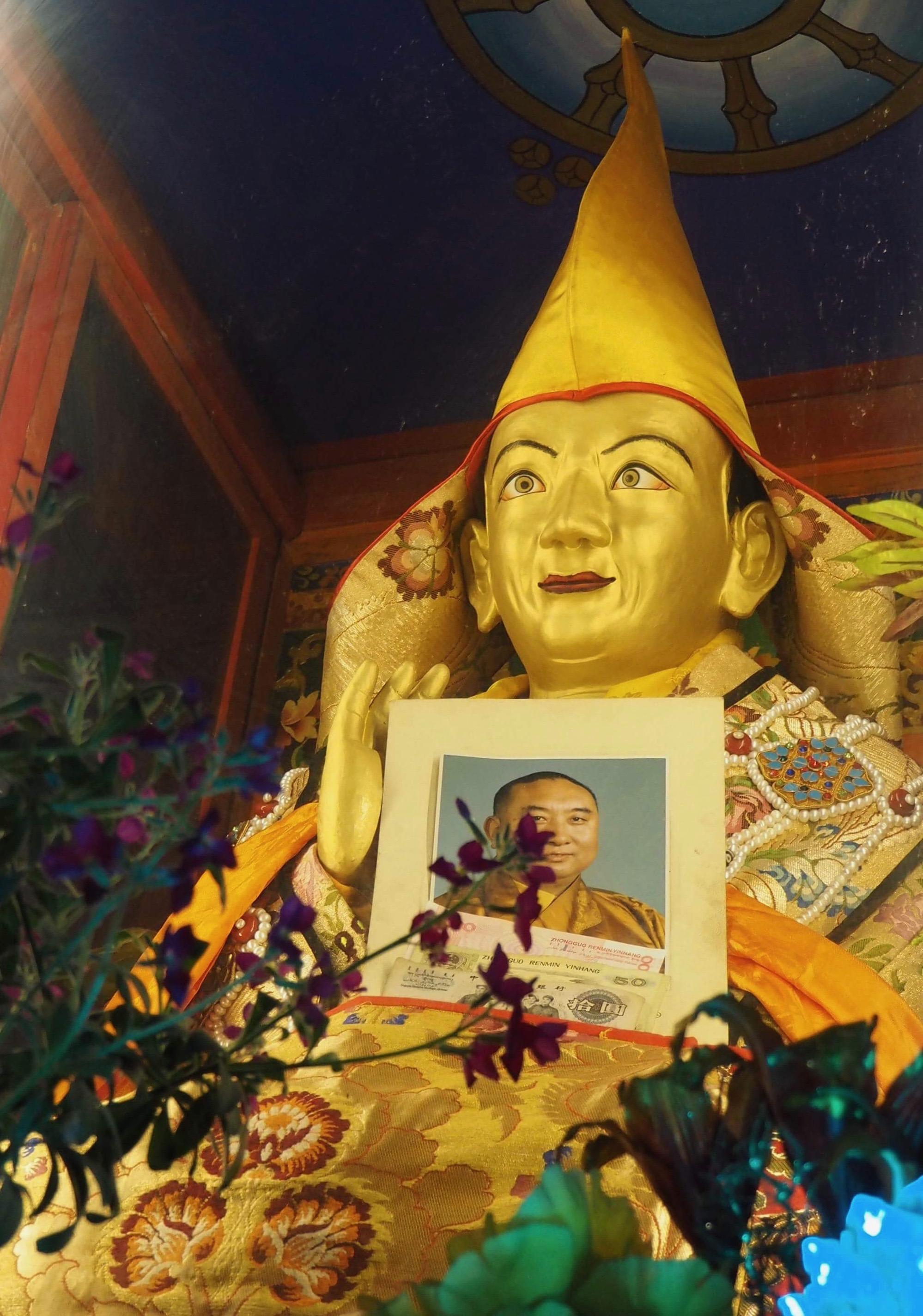 The actual holy body of Gyalwa Ensapa stillpreserved at Wensa Monastery in Tibet. (Photo Ven Tenzin Tsultrim)