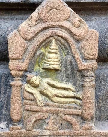 Buddha passing away,Mahabodhi Stupa, Bodhgaya. (Photo Ven Sarah Thresher)