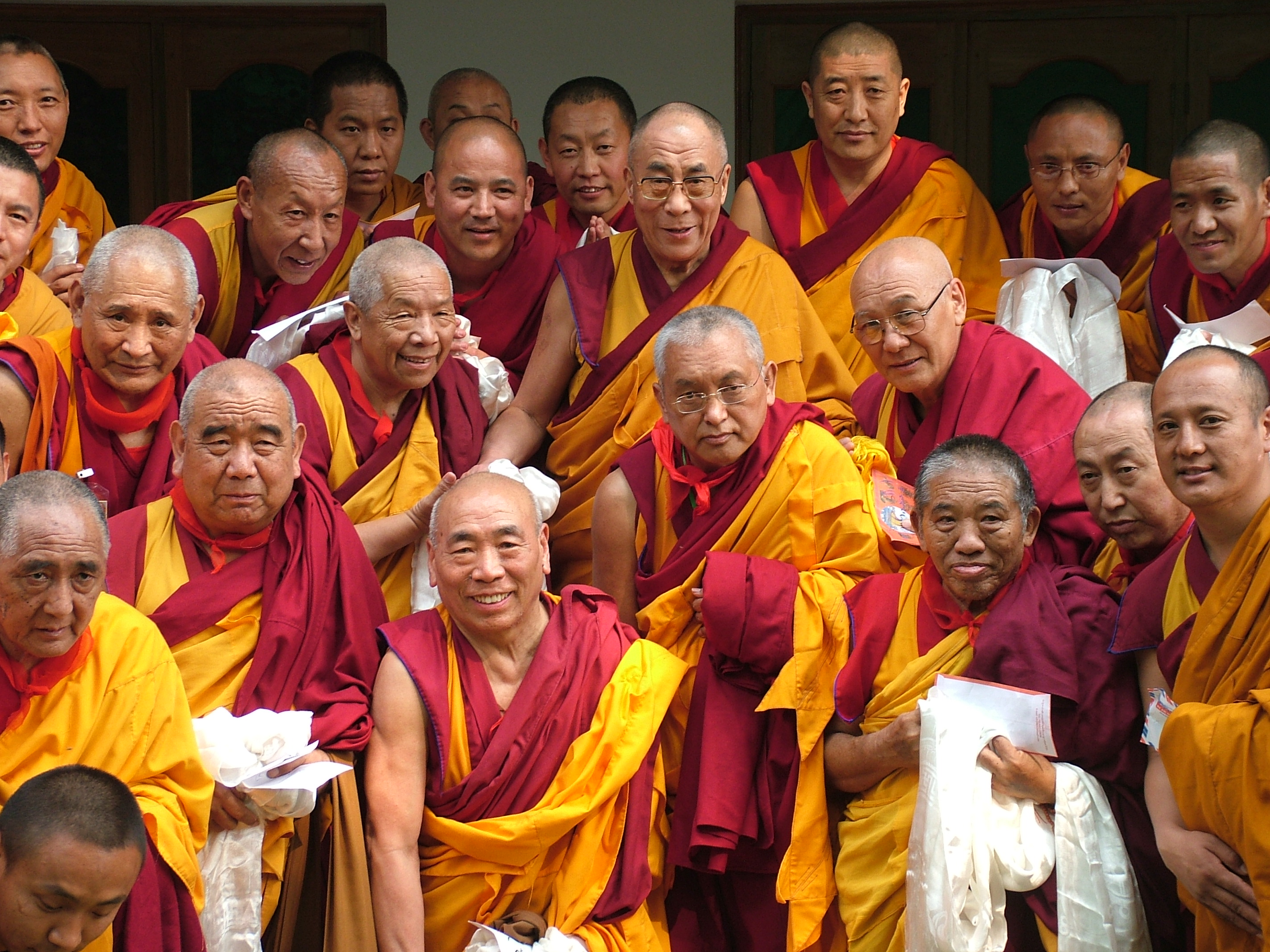 Lama Zopa Rinpoche and FPMT Geshes at aconference in Sarnath in2006 to attendteachings, offer a long life puja to His Holiness the Dalai Lamaand discuss issues relating to bringing the Dharma to the West. Many of the older geshes studied at Buxa with Lama Zopa Rinpoche and Lama Yeshe. (PhotoVen Roger Kunsang)