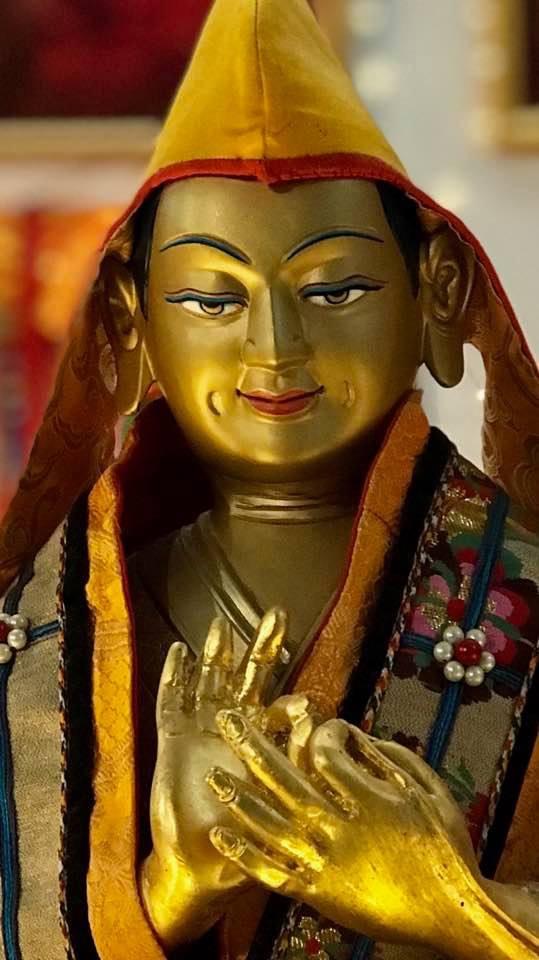 Lama Tsongkhapa statue, Bendigo, Australia. (Photo Felix Brenken)