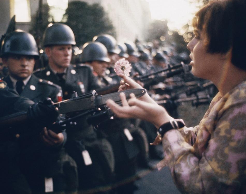 Outside the Pentagon, Virginia, 1967. (Photo byMarc Riboud)