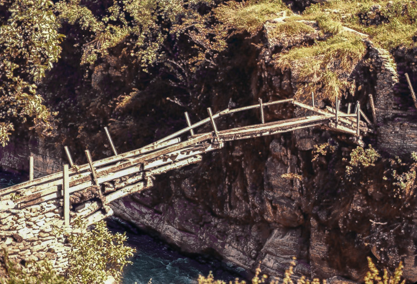 A Solu Khumbu bridge