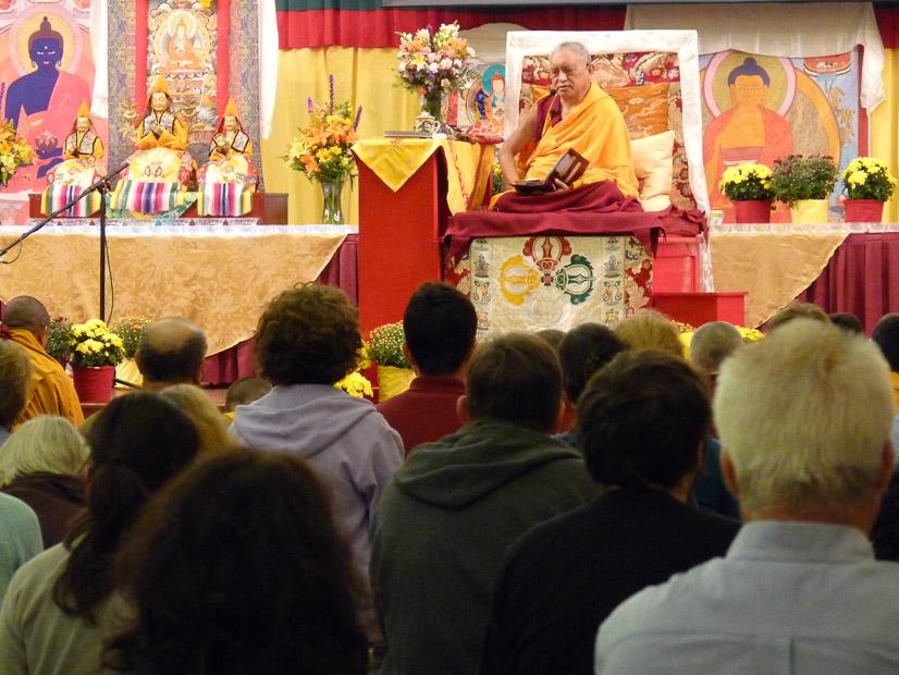 Lama Zopa Rinpoche teaching at the 2009Light of the Pathretreat at North Carolina, USA. (Photo Sarah Brooks)